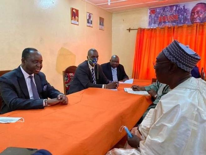 Centrafrique : les deux ex-présidents Bozizé et Djotodia discutent en tête-à-tête. © BDR