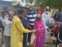 Tchad : Le Rotary Club vient en aide à des sinistrés d'inondations à Koundoul. © Abakar Chérif/Alwihda Info