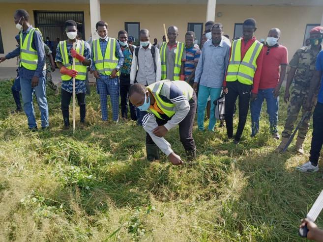 le campus universitaire de Toukra nettoyé par des jeunes