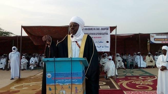 Tchad : en meeting à Abéché, le sultan du Ouaddaï incite les citoyens au recensement
