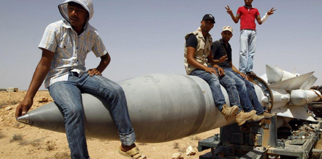 Des combattants anti-kadhafistes, le 1er septembre 2011. REUTERS/Goran Tomasevic