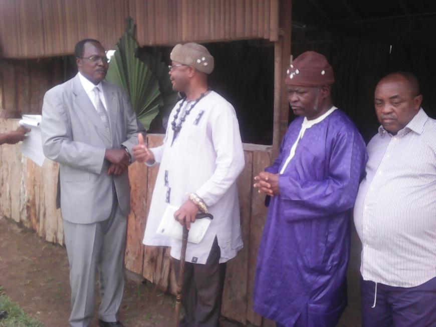 """Cameroun:Les chefs traditionnels du Sud soutiennent  la """"grace présidentielle"""""""