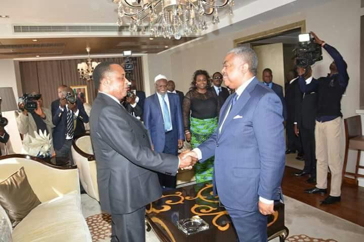 Poignée de main Sassou-Badibanga à Kinshasa ( photo Africa 243)