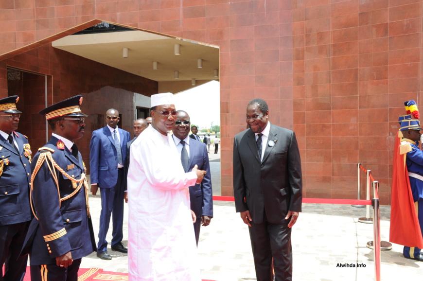 Le Président Idriss Déby (gauche), l'actuel Premier ministre (centre), et Nagoum Yamassoum (droite). Alwihda Info/M.R