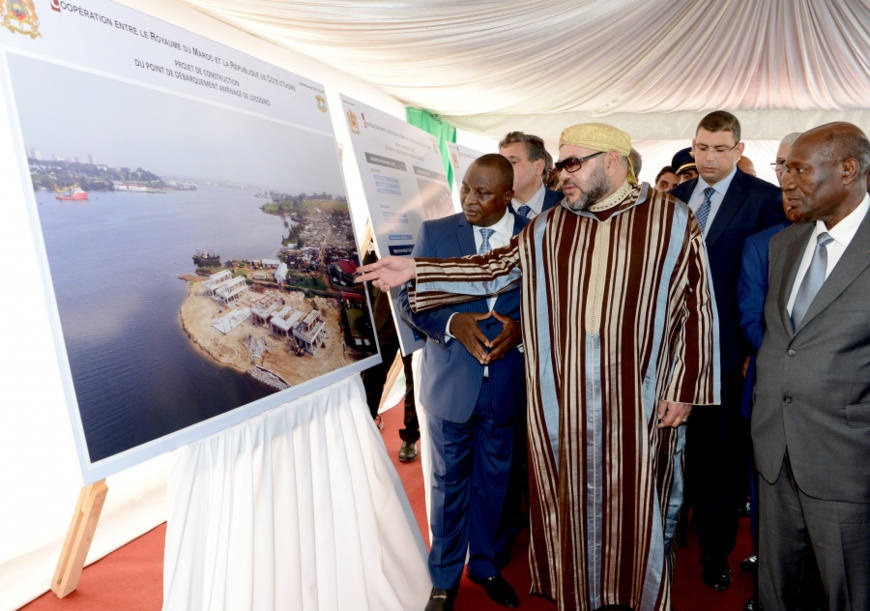 Mohammed VI visite des chantiers de pêche artisanale en Côte d'Ivoire. Crédits photo : Ledesk.ma