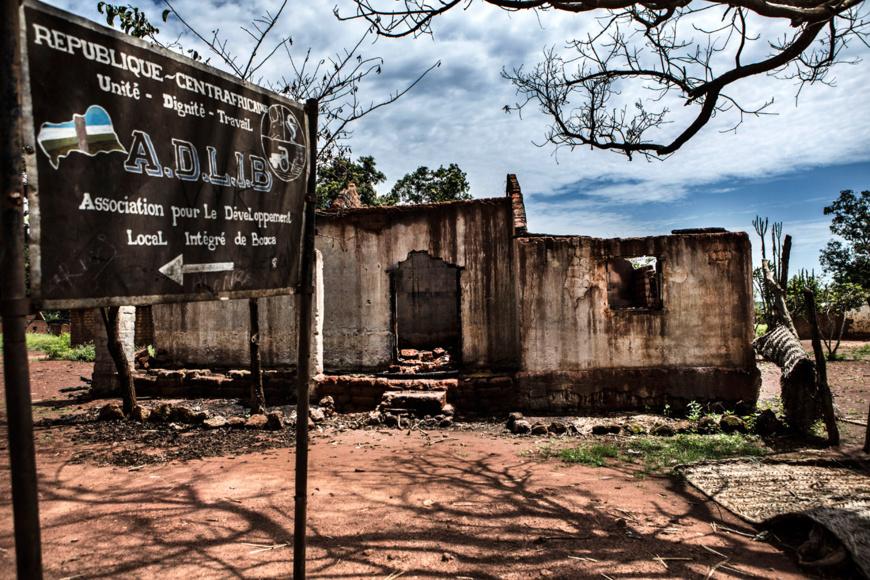 Des destructions en Centrafrique, après des violences. © Juan Carlos Tomasi/MSF
