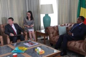 Echange entre Sassou N'Guesso et XinXing Pang