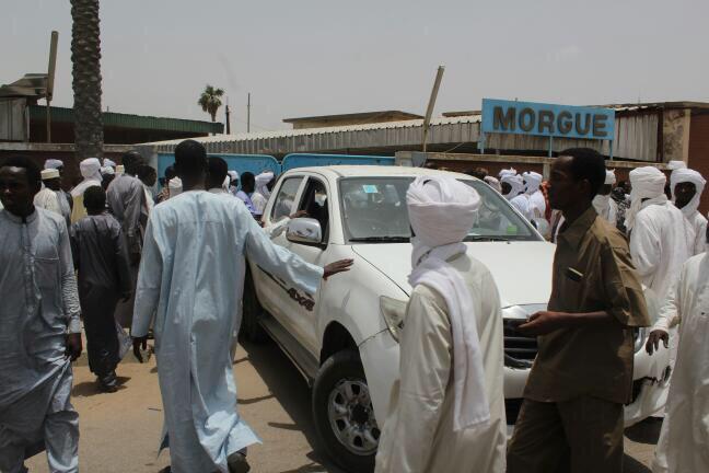 Des familles récupèrent les corps de leurs proches tués dans l'attaque du convoi de détenus, à la morgue de N'Djamena. Alwihda Info