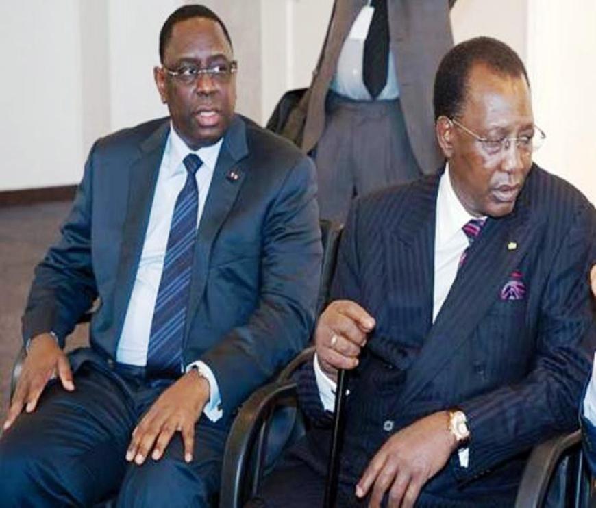 Macky Sall (gauche) et Idriss Déby (droite). Crédit photo : Sources