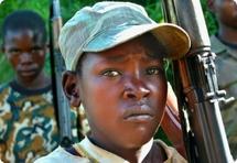 Tchad : Les recrutements d'enfants par les groupes armés continuent