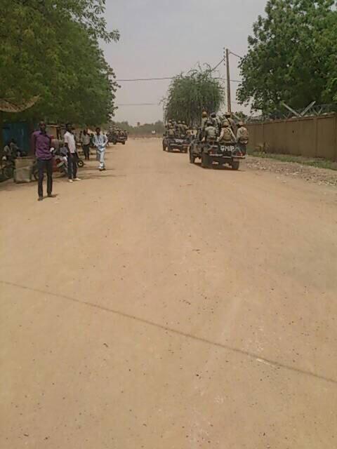 Tchad : Des étudiants manifestent et brûlent une moto à Ardep Djoumal