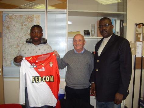 Football : à 14 ans il devient la nouvelle star et signe sont premier contrat officiel
