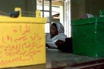 Bureau de vote à Khartoum (Soudan), le 16 décembre 2000