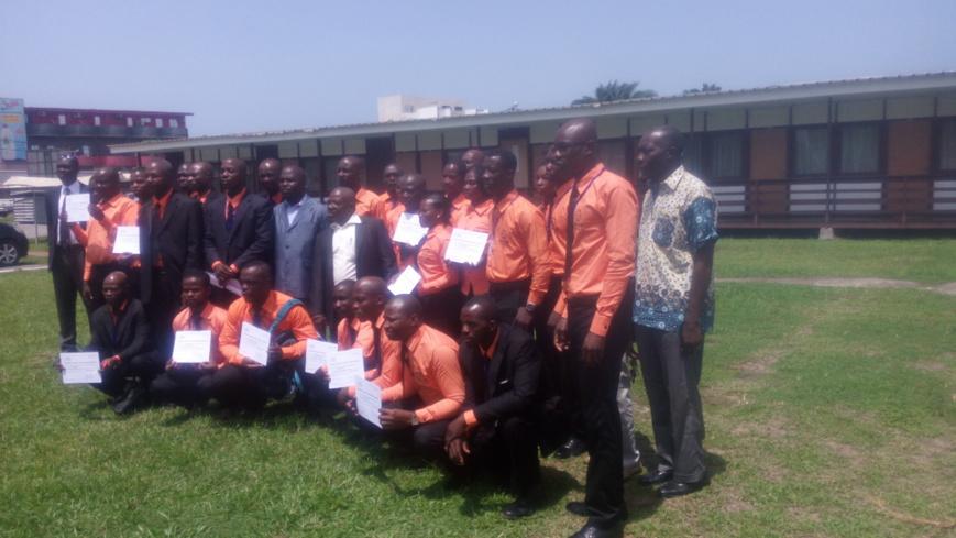 Sécurité routière en Côte d'Ivoire : 38 chauffeurs professionnels reçoivent leurs diplômes de formation