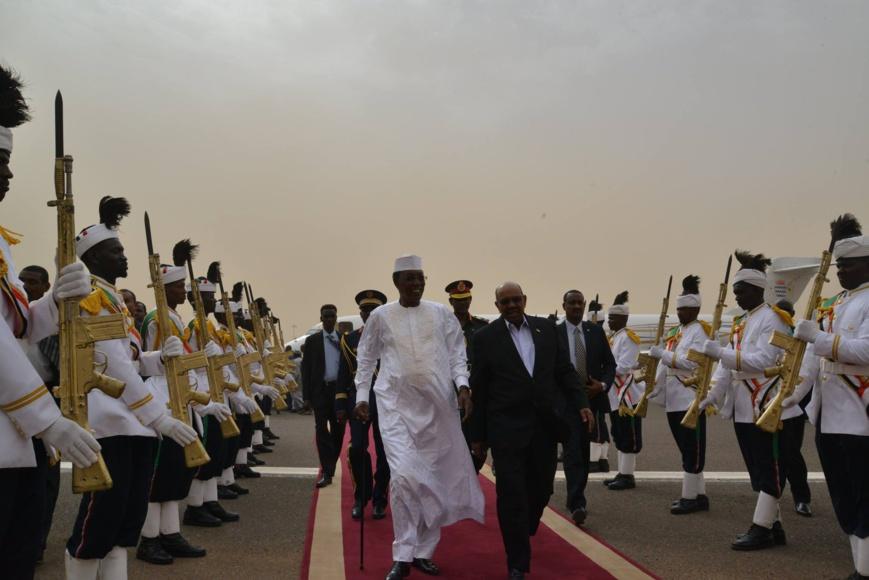 De retour de Riyad, Déby s'est entretenu avec El-Béchir à Khartoum. Crédit photo : Présidence de la République