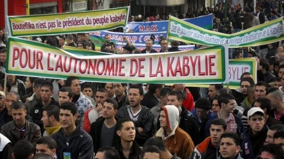 La Kabylie à feu et à sang