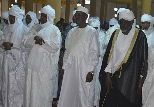 Tchad: Déby menace de retirer certaines troupes engagées au Sahel