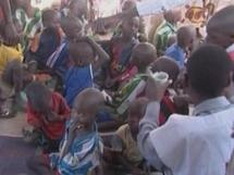 Les enfants tchadiens de l'Arche de Zoe (ONG).