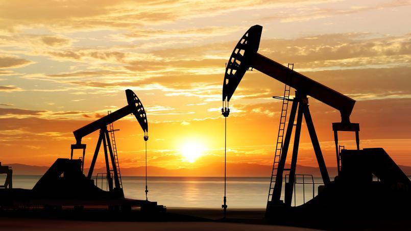 Installations pétrolières. Crédits : Sources
