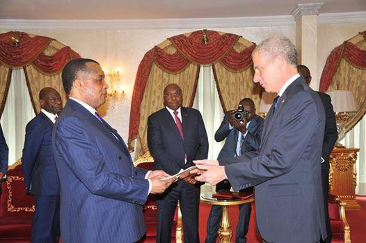Todd P. Haskell présentant ses lettres de créances à Denis Sassou N'Guesso