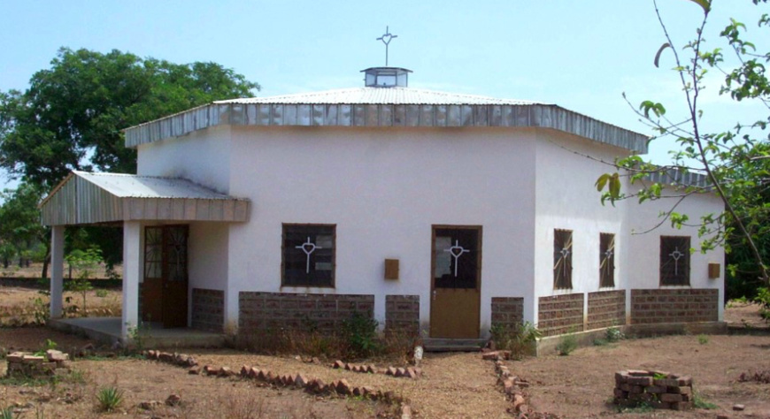 Une chapelle à Bébédjia. Crédits photo : Anicet Paulin/ panoramio.com/user/1013052