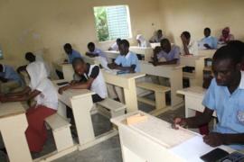 Tchad : 110 candidats composent le concours national de mathématiques. Alwihda Info/D.W.