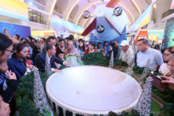 Exhibition on China's achievements wins applause from domestic and foreign visitors