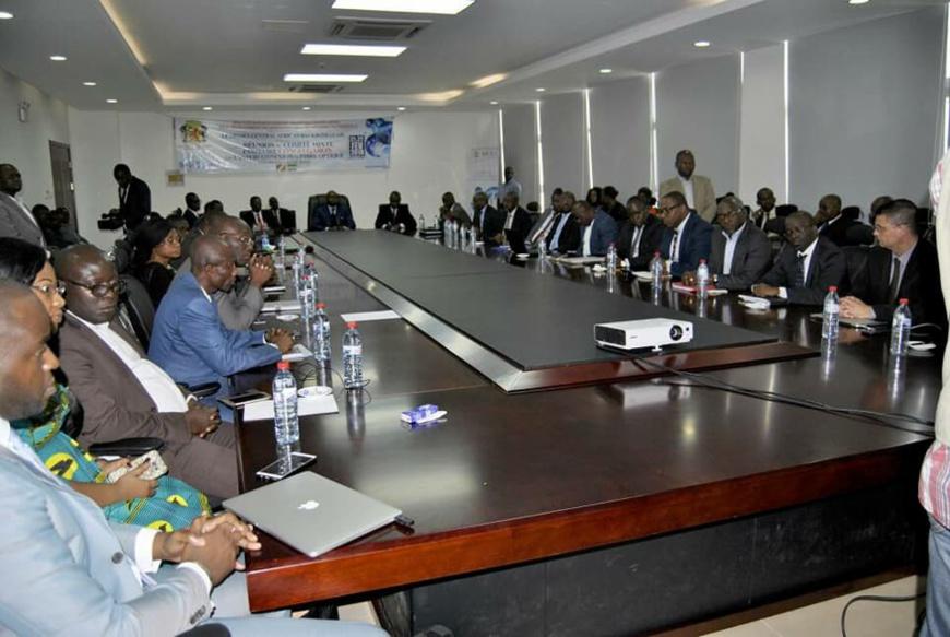 Une vue partielle des participants à la réunion de Kintélé.