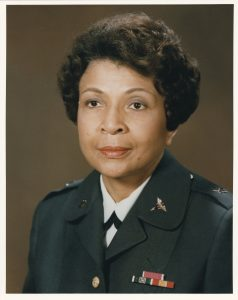 Photo de Hazel Johnson-Brown en uniforme de l'US Army (Photo offerte par Gloria Smith)
