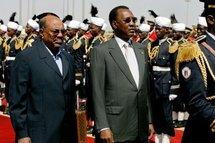 Les Présidents soudanais et tchadien à Karthoum.