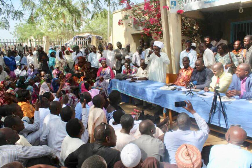 Des syndicalistes lors d'une assemblée générale à N'Djamena. ALWIHDA INFO