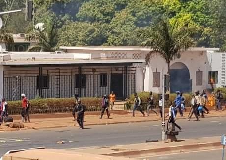 Quelle belle correction du peuple malien aux autorités algériennes !