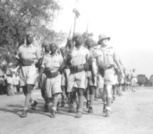 Défilé au Tchad au temps de Fort Lamy.