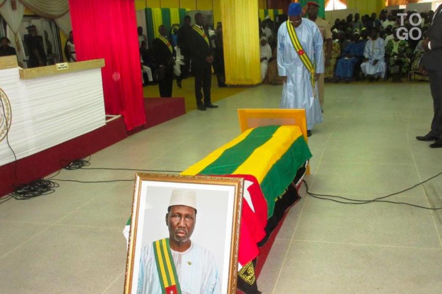 Hommage de l'Assemblée à Brim Bouraïma Diabacté. Crédits photo : République Togolaise