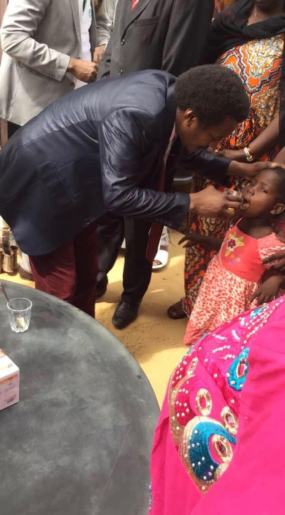 Un enfant reçoit des soins de santé à N'Djamena. Alwihda Info