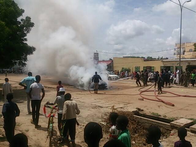 N'Djamena : un véhicule prend feu dans le 8ème arrondissement