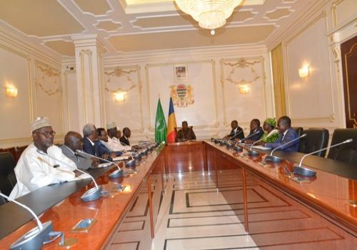 Rencontre ce jeudi 9 août au Palais présidentiel entre le chef de l'Etat et les responsables de l'Enseignement supérieur et de l'Education. N'Djamena.