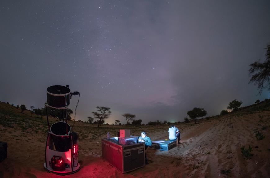 Grâce aux lentilles très puissantes du télescope, les scientifiques sénégalais ont pu distinguer les anneaux de Saturne et la planète Mars. (JL Dauvergne/Ciel et Espace)