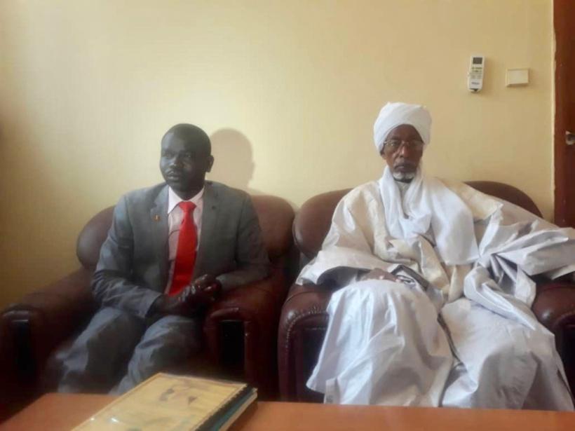 Le président de l'association AJTAPS, Djimet Abdrehim et le président du CSAI, Mahamat Khatir Issa. Alwihda Info
