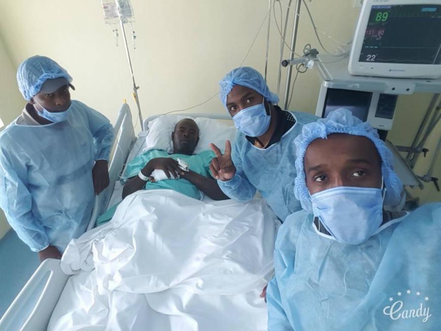 Le colonel Dadi Chidi Kokei, soigné dans un hôpital.
