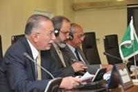 Ihsanoglu invite les leaders de l'OCI pour réussir leurs programmes nationaux d'éradication de la Polio