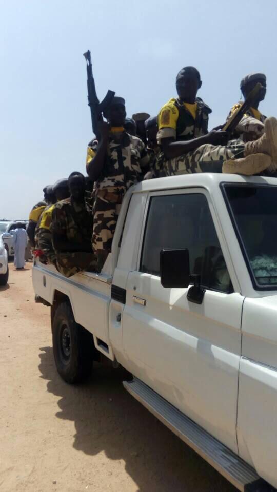 Des militaires tchadiens sur un véhicule de l'armée. © Alwihda Info