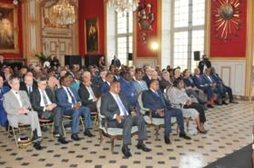 Denis Sassou N'Guesso (1er rang au milieu) à la cérémonie de dédicace.