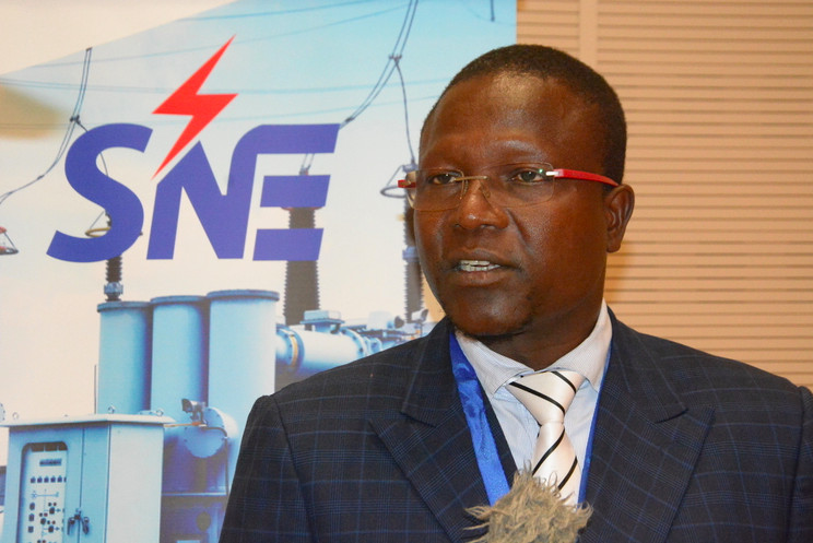Le directeur général de la Société nationale d'électricité (SNE), Jean Paul Mbatna. © SNE