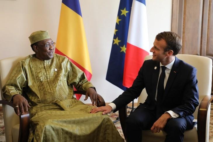 Idriss Deby, le président tchadien et Emmanuel Macron, le 11 octobre 2018. / LUDOVIC MARIN/AFP