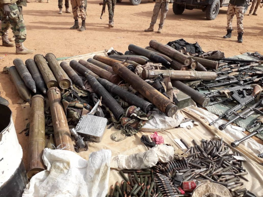 Des rescapés de l'UFR entre les mains de l'armée tchadienne. © Alwihda Info
