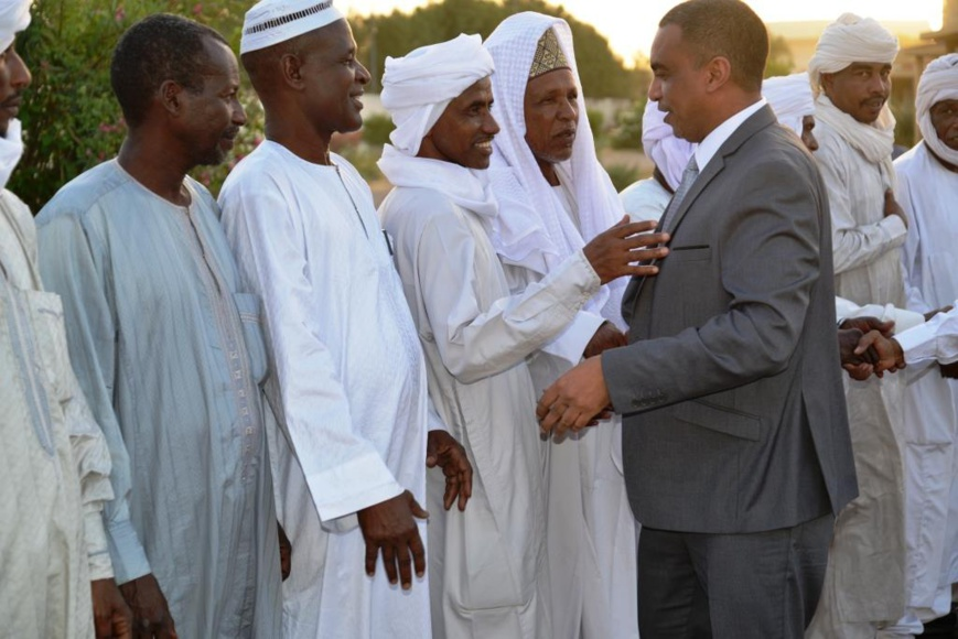 L'opposant Albadour Acyl Ahmat Akhabach du Conseil démocratique révolutionnaire (CDR) accueilli à N'Djamena par une délégation de la Présidence. © PR