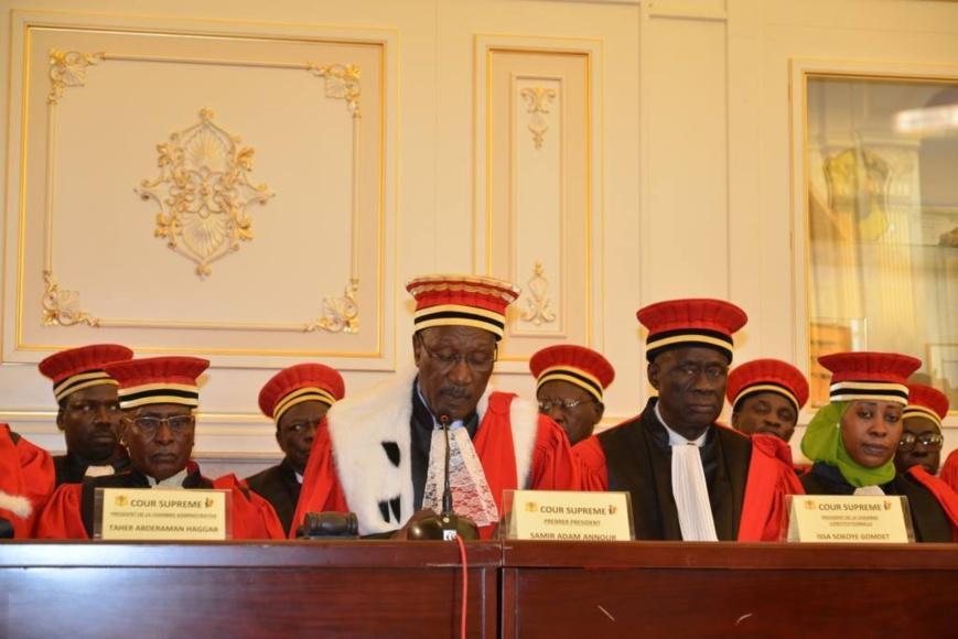 Des membres de la Cour suprême lors d'une prestation de serment au Palais présidentiel. Illustration.
