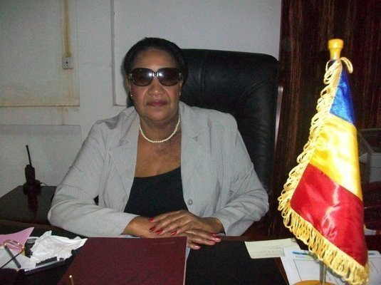 L'ex-Maire de la Ville de N'Djamena, Fatimé Marie-Thérèse dans son bureau.
