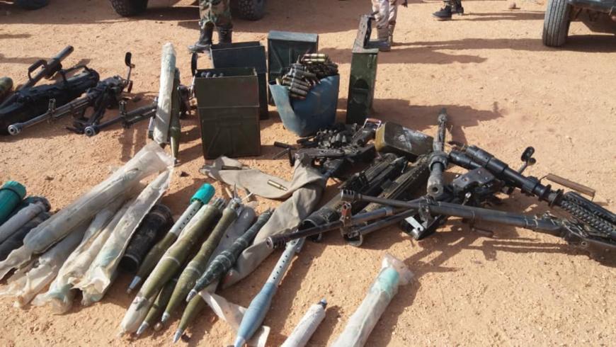 Des armes récupérées par l'armée lors de la capture de rebelles en février 2019. © Alwihda Info